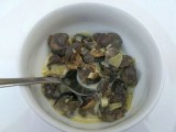 Cassolette d'escargots au vin blanc